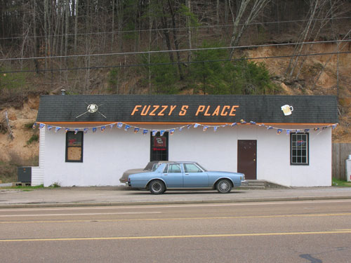 Fuzzy s Place, Tennessee